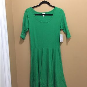 LuLaRoe Nicole dress L. NWT. Accepting all offers